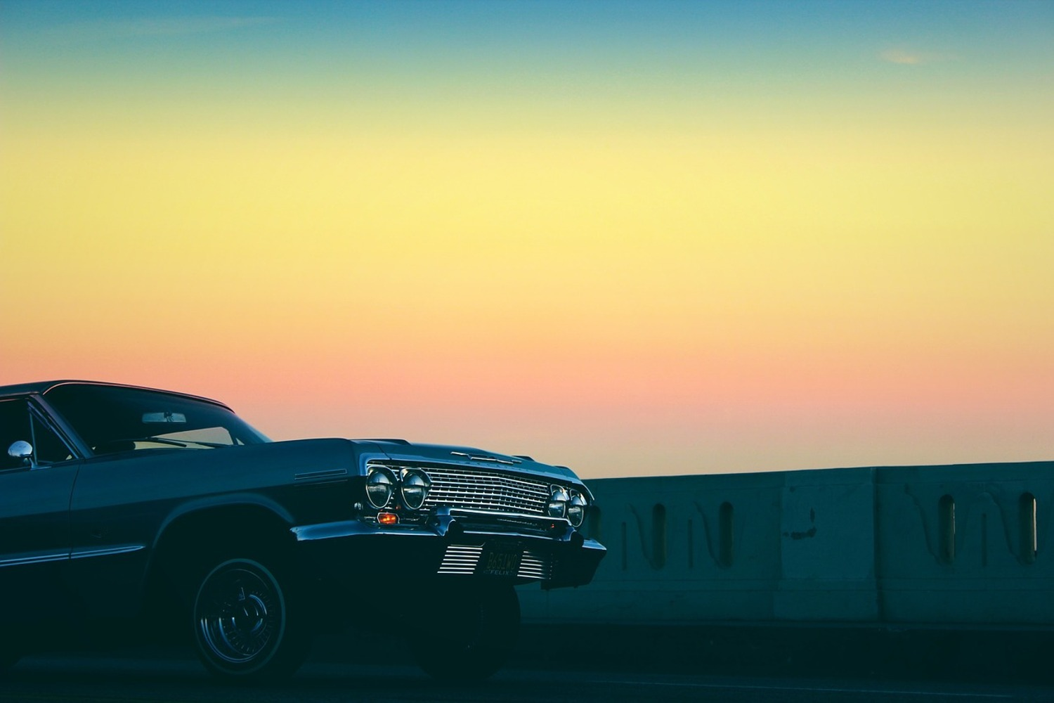 Photo Wallpaper Vintage car in the evening light